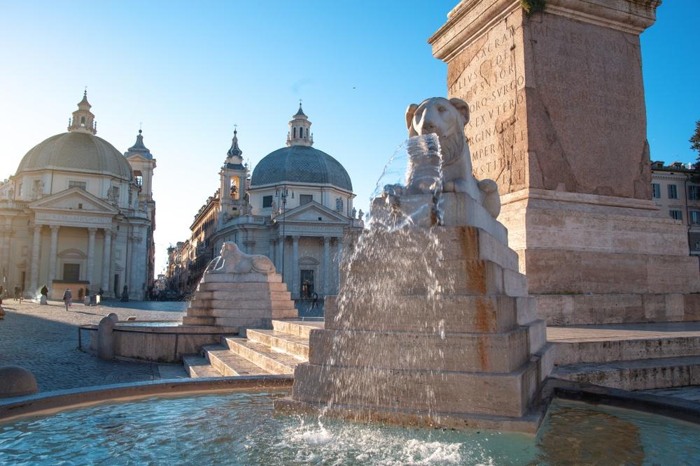 piazza del popolo roma curiosita